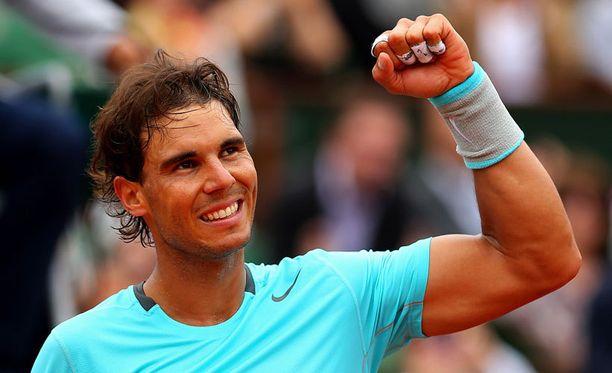 Rafa Nadal eteni helposti puolivälieriin Ranskan avoimissa.