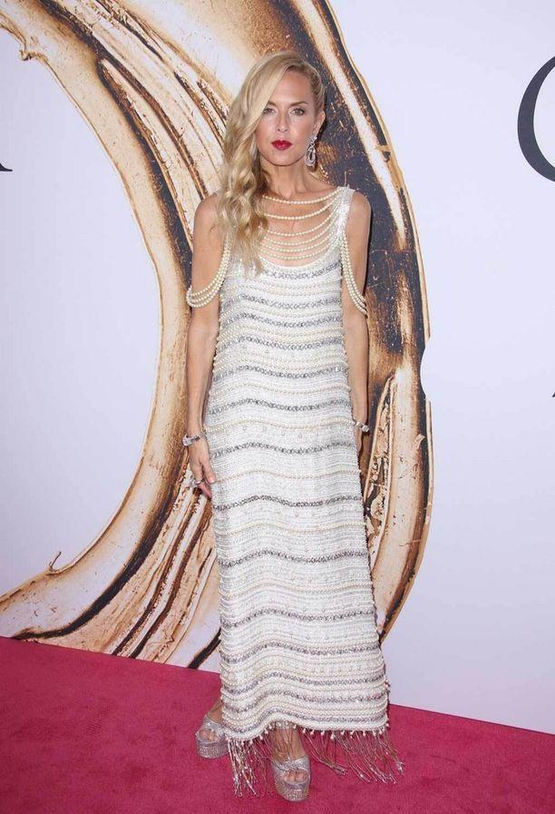 Rachel Zoen helmikoristeinen mekko on suunnittelijan oma luomus.