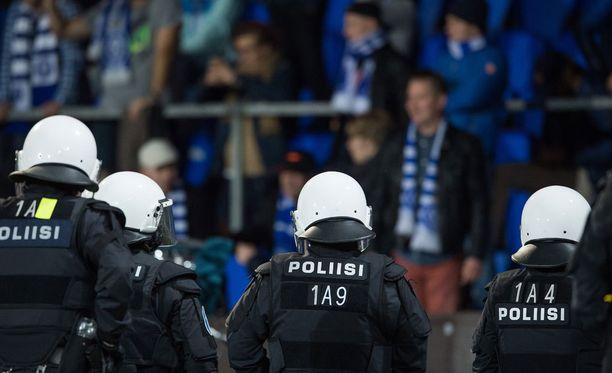 Poliisi kertoi Stadin derbyn häiriöistä ja ilmoituksista.