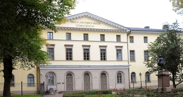 Pahoinpidellyksi ja syyttäjän mukaan myös raiskatuksi tullut nainen ei saapunut Turun hovioikeuden istuntoon uhkasakosta huolimatta.