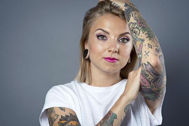 Veronica Verho on suosittu tubettaja, radiojuontaja – ja nyt myös televisiojuontaja.