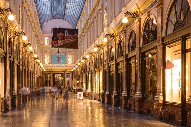 Komea kauppagalleria kuuluu Brysselin pakollisiin nähtävyyksiin.