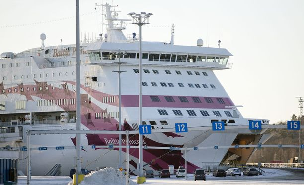 Baltic Princess -laivalla pääsee ensi jouluna Tallinnaan.