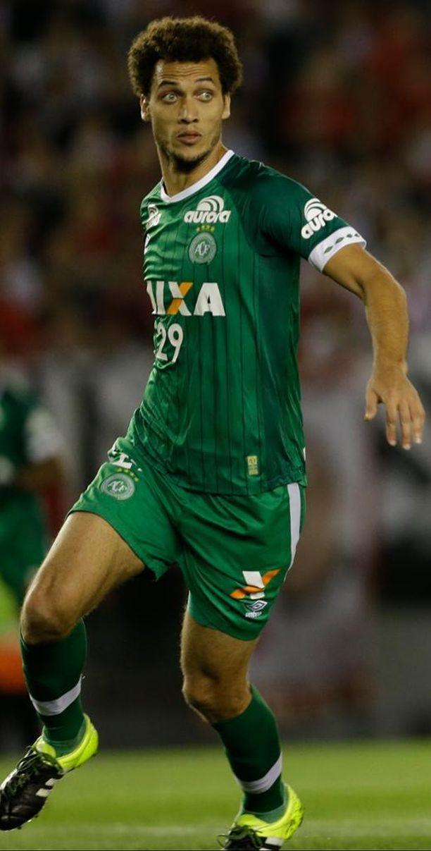 Chapecoensen puolustaja Helio Hermito Zampier Neto saattaa vielä palata viheriöille.