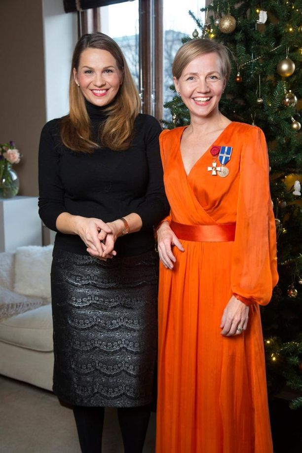 Janina Fry ja Tiina Laisi-Puheloinen ovat ystävystyneet Syöpäsäätiön juhlatoimikunnassa, jossa Tiina on toiminut jo vuosia. Janina meni mukaan toimintaan tänä vuonna.