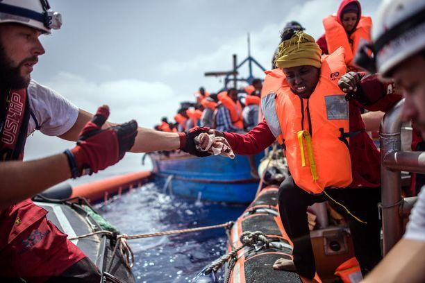 SOS Mediterranee -järjestö pelastaa merihädässä olevia siirtolaisia Välimerellä. Kuva huhtikuulta 2018.