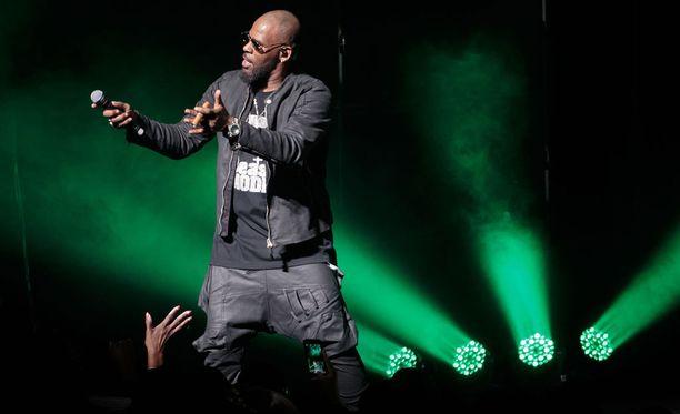 R. Kelly konsertissa vuonna 2017.