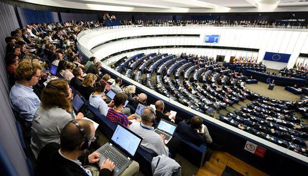 Euroopan parlamentti hyväksyi esityksen selkein äänin 438 puolesta ja 226 vastaan