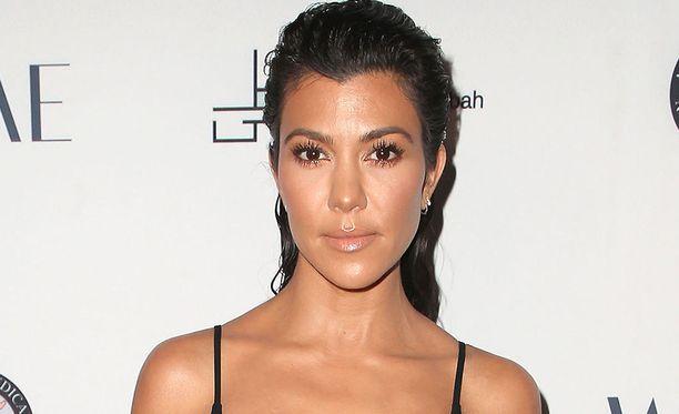 Kourtney Kardashian on Kris Jennerin ja Robert Kardashianin esikoinen. Hänen sisaruksiinsa kuuluvat esimerkiksi Kim Kardashian ja Kendall Jenner.