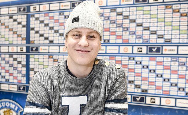 Laitahyökkääjä Eeli Tolvanen ei ehtinyt pelaamaan Jokerien sunnuntaiseen otteluun.