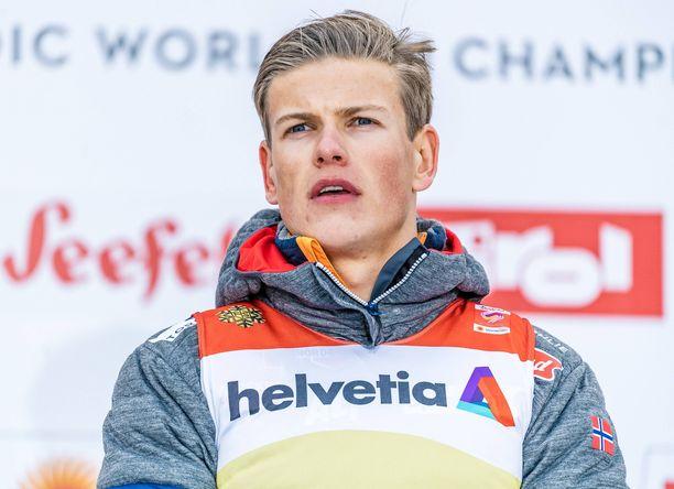 Hiihdon maailmancupia hallinnut Tour de Skin voittaja Johannes Kläbo on tällä kaudella tienannut reilut 100 000 euroa palkintorahaa.