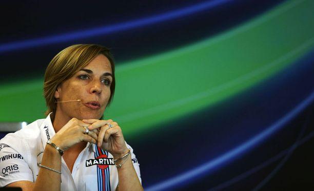 Claire Williams myöntää, että talli on vokotellut Jenson Buttonia leipiinsä.