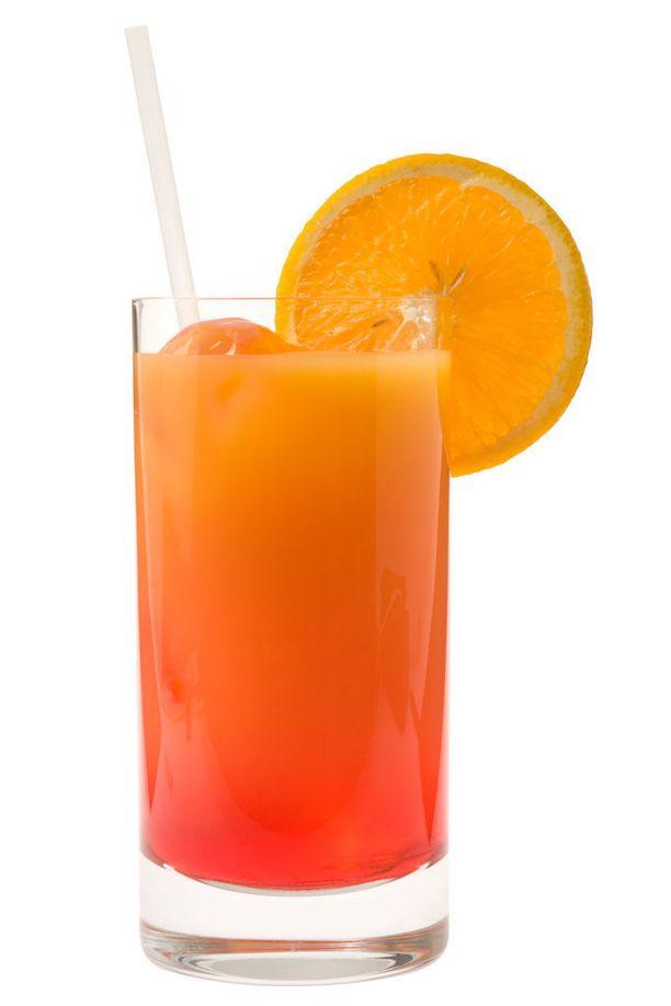 Juoma tehdään yleensä highball-lasiin, mutta sitä näkee myös muissa laseissa.