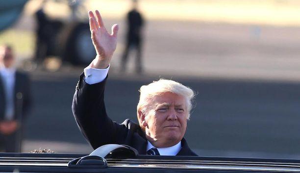 Presidentti Donald Trump itse oli budjettiesittelyn aikaan ulkomaan-matkalla Italian pääkaupungissa Roomassa.