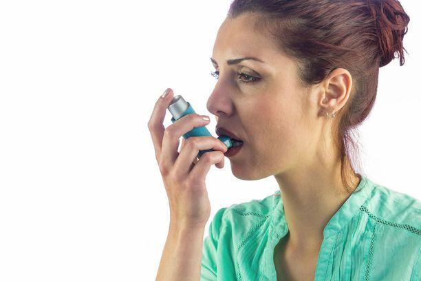 Naisten astmaa sairastavat ovat tyypillisesti tupakoimattomia 20-60-vuotiaita naisia.