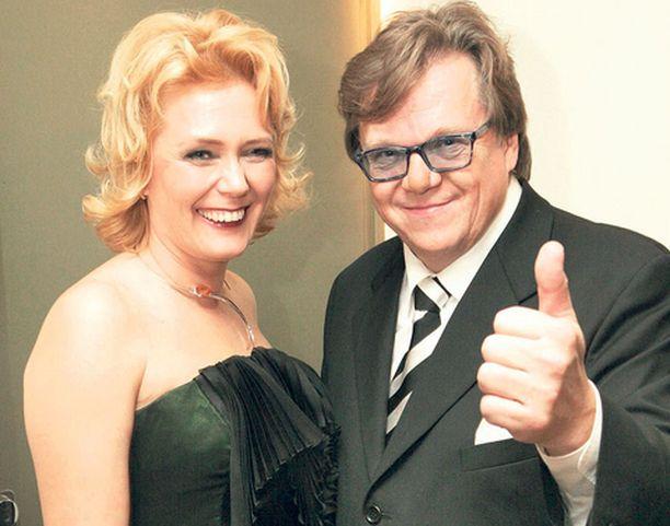 Mikko Alatalo ja Seija-vaimo viihtyivät jatkoilla viime vuonna ravintola Terassissa.