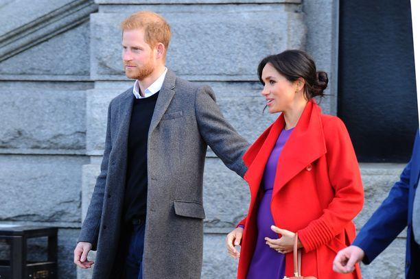 Sussexin herttuapari odottaa esikoistaan.