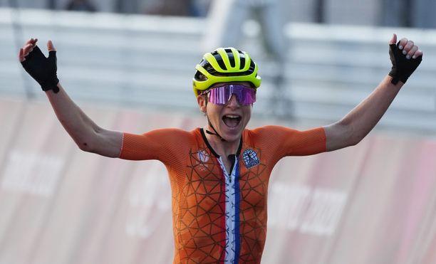 Annemiek van Vleuten luuli jo voittaneensa, mutta toisin kuitenkin kävi.