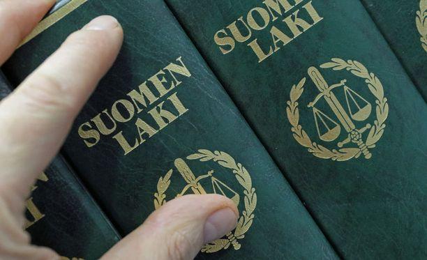 Uutissuomalainen on haastatellut rikosoikeuden asiantuntijoita.