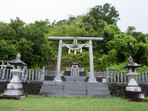 Japanilaisten muistomerkki Peleliun saarella.