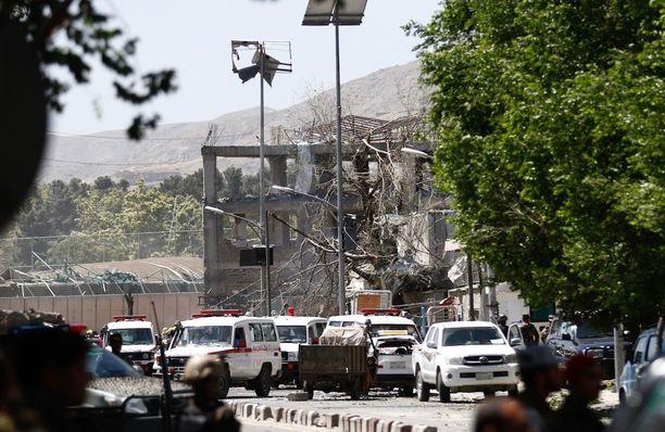 Massiivinen autopommi teki tuhoa alueella, jolla sijaitsee iso osa Kabulin keskeisimmistä virastoista ja lukuisia suurlähetystöjä.