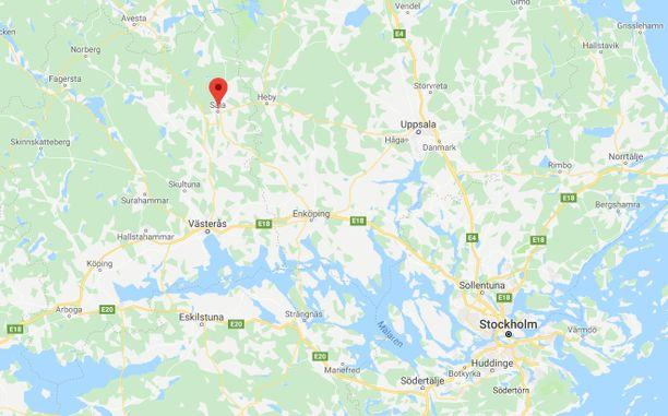 Punainen paikkamerkintä osoittaa Salan Ruotsin kartalla. Paikkakunta sijaitsee Tukholmasta noin 120 kilometriä luoteeseen.