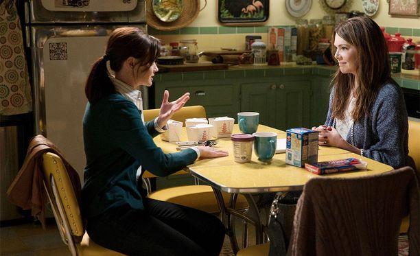 Gilmoren tyttöjen A Year in the Life -Netflix-sarjassa Rory palasi äitinsä Lorelein nurkkiin asumaan, kun kirjoitusura maailmalla tyssäsi.