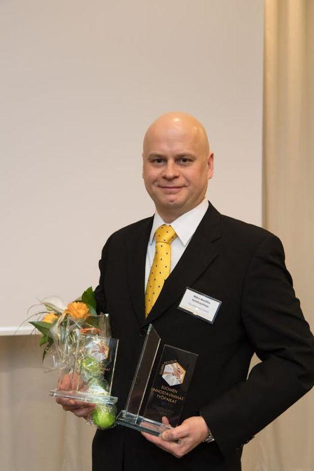 Suurimman nousijan, Osuuskauppa Keulan toimitusjohtaja Mika Marttila.