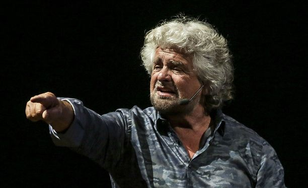 Koomikko Beppe Grillo perusti viiden tähden liikkeen 2009. Hänen tavoitteensa on uudistaa Italian korruptoitunut poliittinen järjestelmä.