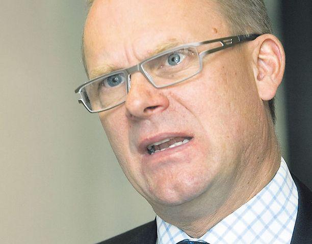 Finnairin toimitusjohtaja Jukka Hienonen ei nähnyt ratkaisua yhtiön ongelmiin ja hätähuutona erosi.