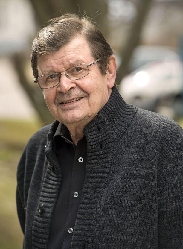 Heikki Kinnunen on mukana Ylen Rakkautta vain -sarjassa.