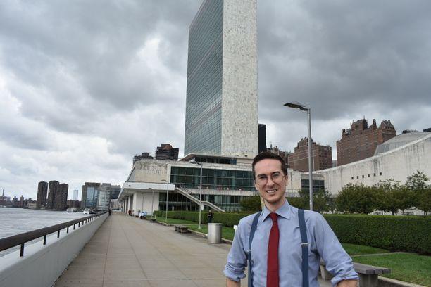 """""""Suomessa on edelleen syytä tutkiskella, miksi suomalaiset yritykset eivät myy YK:lle niin paljon kuin vastinemaat"""", sanoo Yhdistyneiden kansakuntien pääkonttorilla työskentelevä Alexander Puutio."""