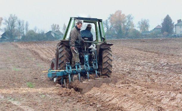 Uutta lakia perustellaan muun muassa kotimaisten viljelijöiden tukemisella.