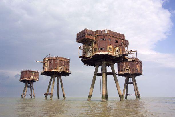 Thamesin suojaksi Englannin rannikolle rakennetut toisen maailmansodan aikaiset linnakkeet ovat kuin suoraan Tähtien sota -elokuvista.