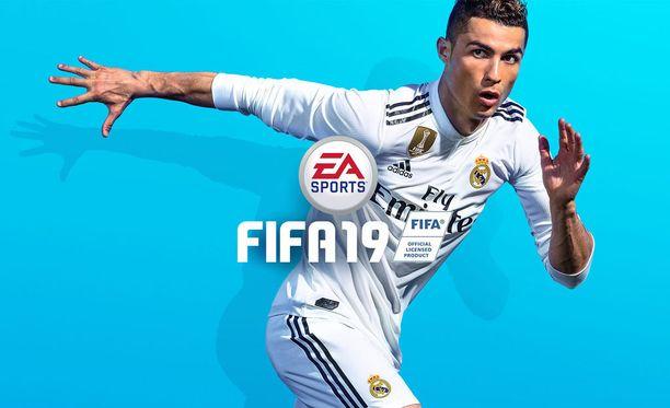 EA:n vanhassa Fifa-mainoksessa Ronaldolla on vielä Real Madridin paita.