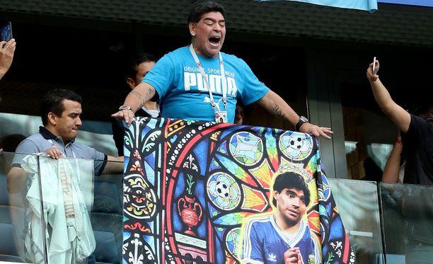 Diego Maradona on aiheuttanut runsaasti puhetta käytöksellään MM-kisoissa.