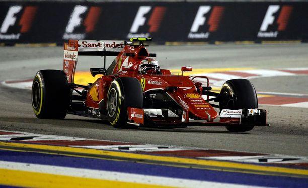 Kimi Räikkönen oli hyvässä vauhdissa aika-ajoja edeltäneissä harjoituksissa.