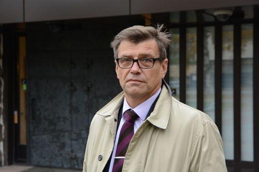 Valtakunnansyyttäjä Matti Nissinen on kiistänyt syyllistyneensä virkavelvollisuuden rikkomiseen.