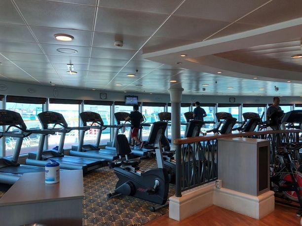 Kuntosali on yhdellä laivan parhaimmista paikoista, sillä urheillessa voi nauttia merinäköalasta. Täällä järjestetään myös ohjattuja liikuntatunteja.