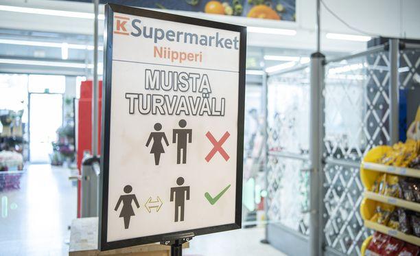 Suomalaiset ovat noudattaneet heille annettuja ohjeita. Tulokset näkyvät nyt tartuntatilastoissa.