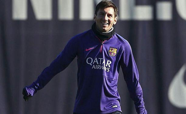 Lionel Messi saa kunniaa kotiyleisönsä edessä.
