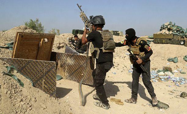 Isis onnistui eilen pysäyttämään Fallujahin kaupunkia valtaavat irakilaiset taistelijat.