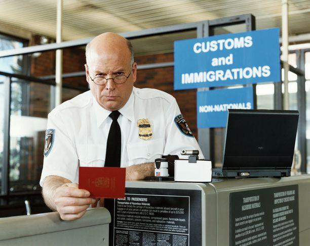 Tean ja hänen ystävänsä nimet vaikuttivat amerikkalaisen rajavartijan mielestä keksityiltä - eikä häntä oikeastaan voi siitä syyttää. Kuvituskuva.