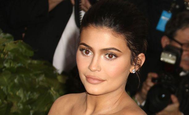 Kylie Jenner viettää tänään syntymäpäiväänsä.