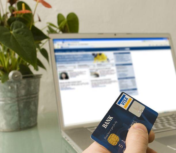 Kukkaropalveluun ladataan ensin rahaa esimerkiksi luottokortilla, ja sen jälkeen palvelun kautta voi hoitaa pieniä verkkomaksuja.