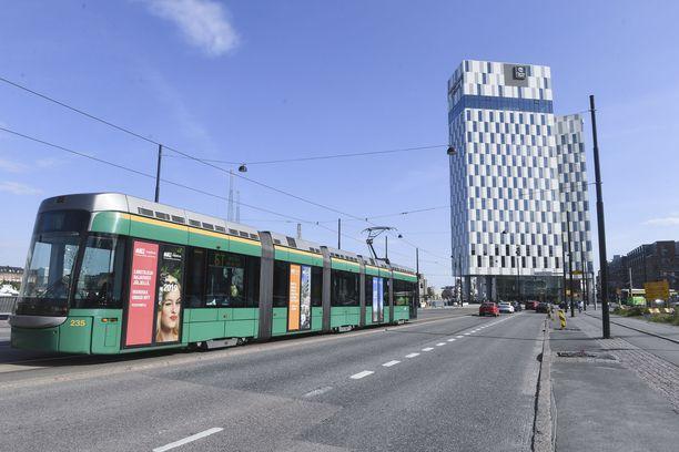 Onnettomuus sattui Helsingin Jätkäsaaressa.