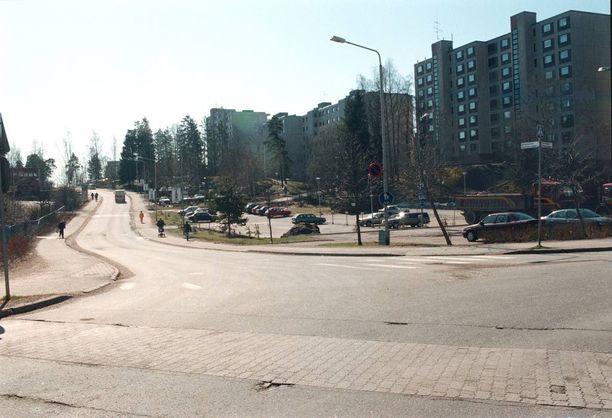 Rikos sattui kerrostaloasunnossa Espoon Kirstinmäen kaupunginosassa. Samassa asunnossa asui useita rakennustyömiehiä.