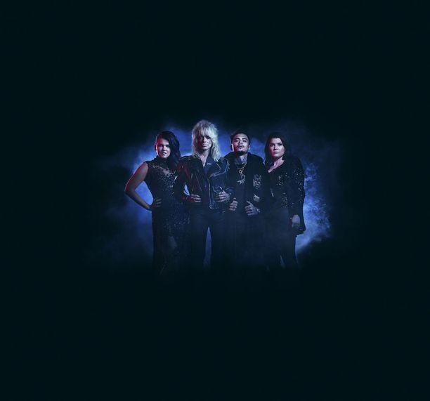 X Factor Suomi -ohjelman tuomarit vasemmalta oikealle: Saara Aalto, Michael Monroe, Mikael Gabriel ja Suvi Teräsniska.