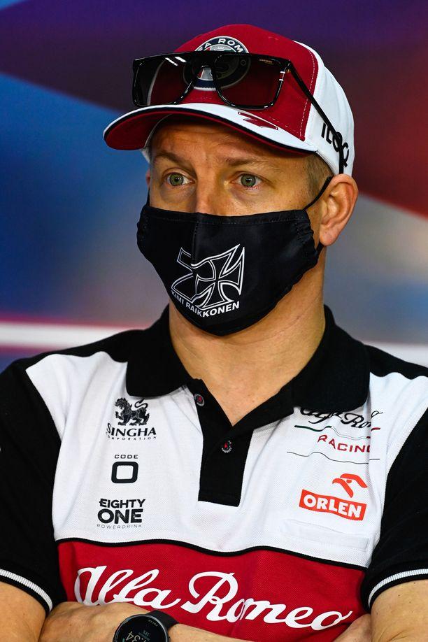 Kimi Räikkönen jatkaa tulevallakin kaudella Alfa Romeon tallissa.