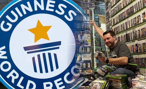 Antonio Monteiro esittelee kokoelmaansa Guinness Word Recordin videolla.